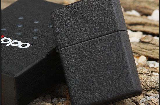 zippo-black-crackle-3