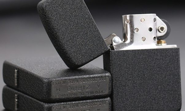 zippo-black-crackle-4
